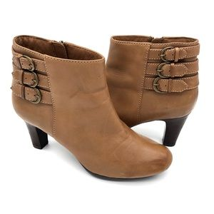 Clarks Artisan Society Fashion Buckle Ankle Boots